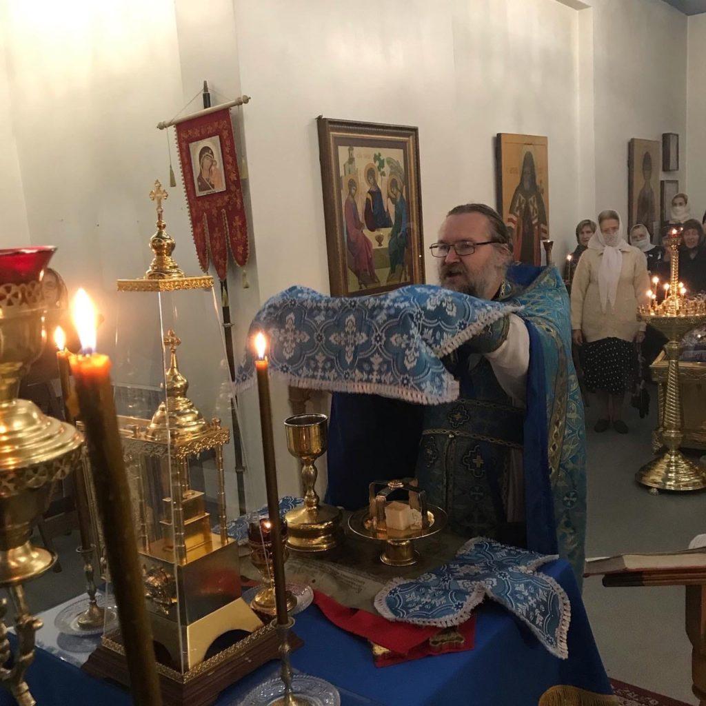 Воскресная служба 05.09 -  отдания попразднества Успения Пресвятой Богородицы